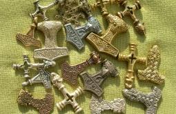 Скандинавские амулеты из дерева что такое талисман амулет артефакт